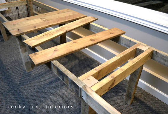 Building a pallet farm table desk