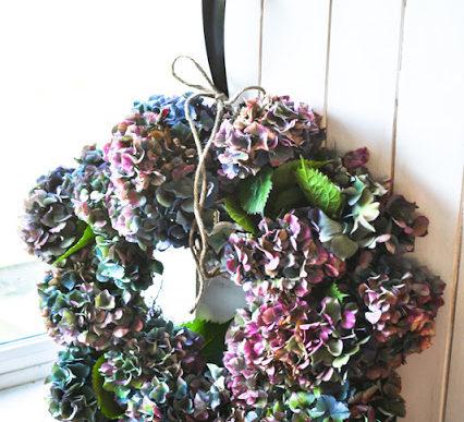 Dried fall hydrangea wreath