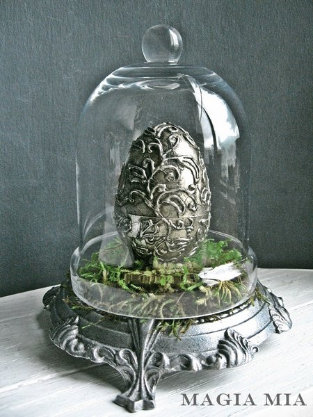 silver leaf Easter egg by Magia Mia featured on Funky Junk Interiors