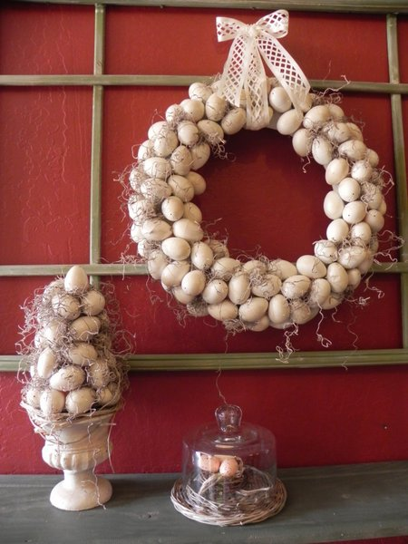 2-Plastic Easter egg wreath by The Messy Roost featured on Funky Junk Interiors