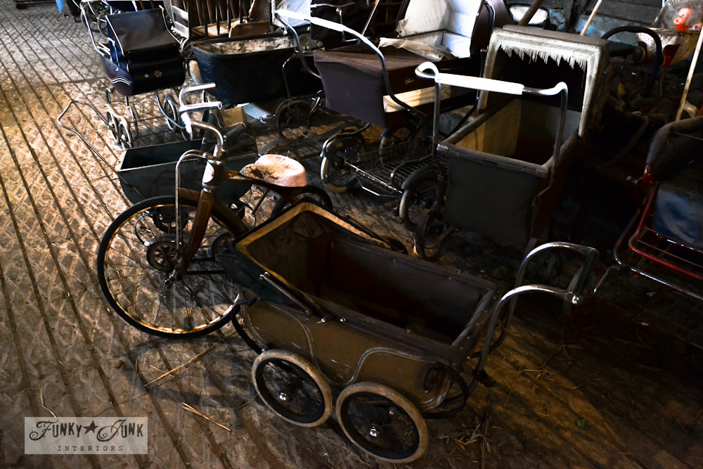 antique_vintage_baby_carriage