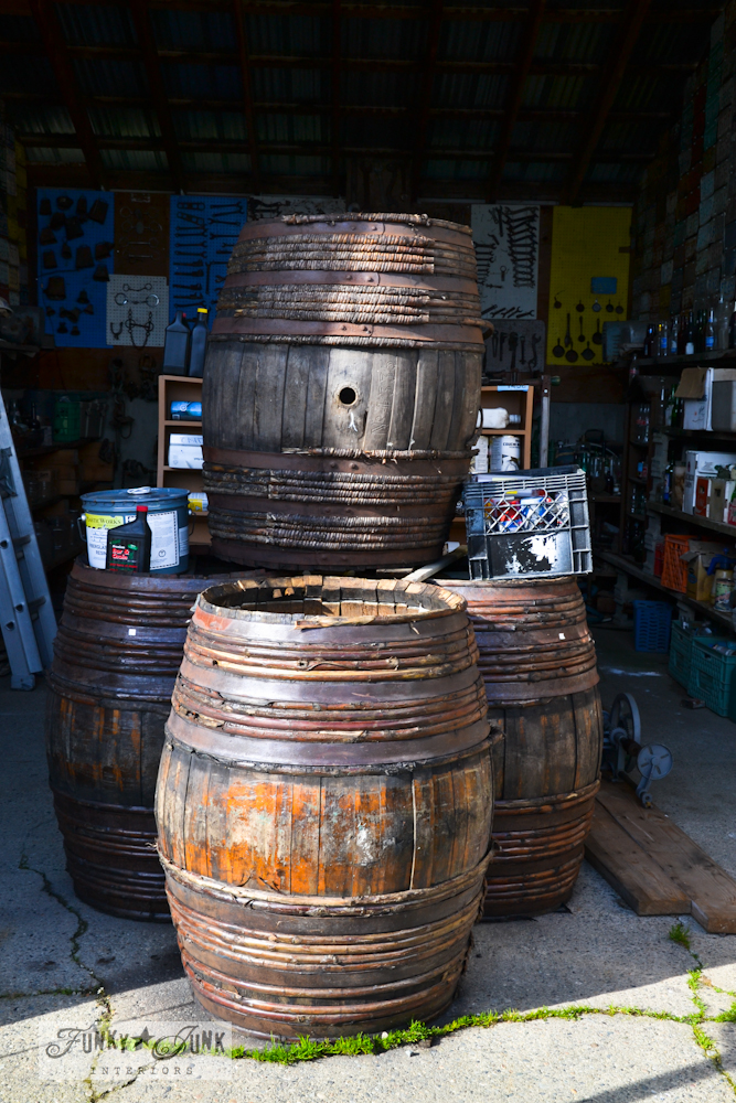 old_antique_vintage_barrels