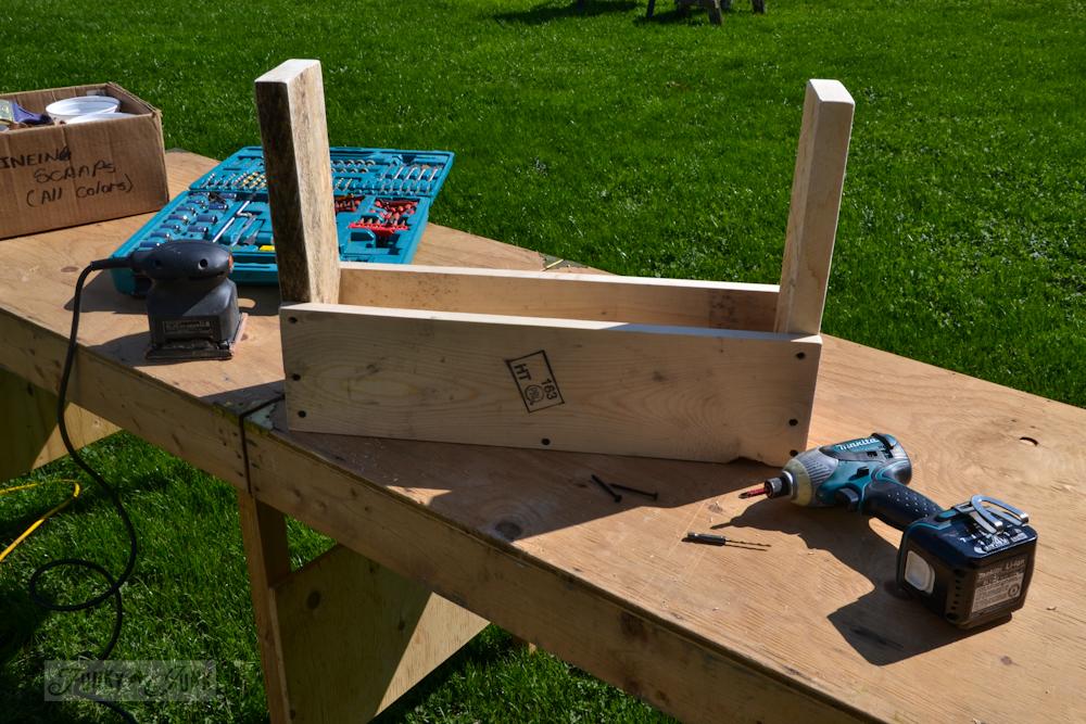 A_reclaimed_wood_tool_tote_via_Funky_Junk_Interiors