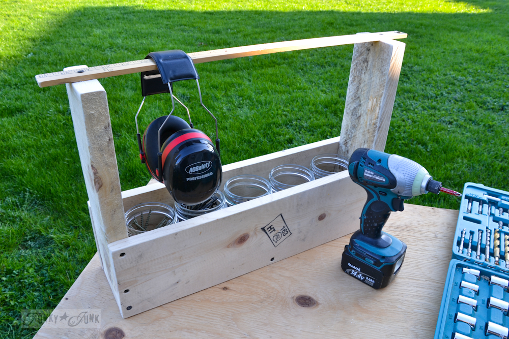 Handmade reclaimed wood toolbox for screw storage / Part of Basic Must-have tools for DIYers