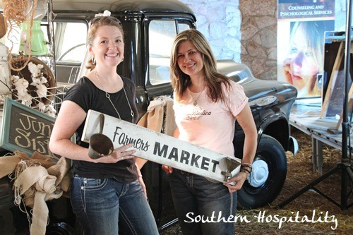 Donna-with-Farmers-market-sign