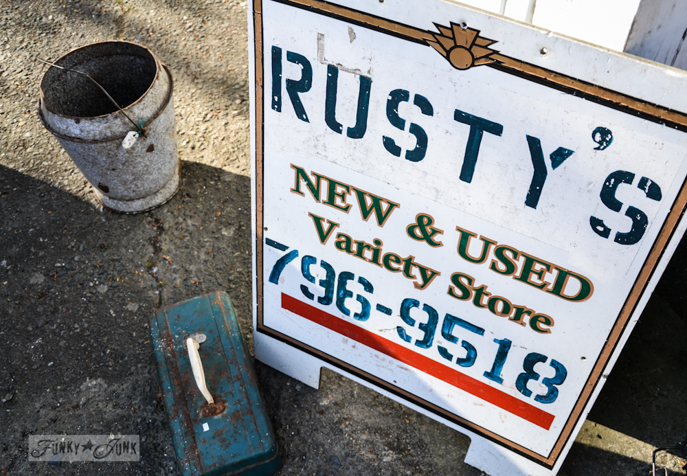 Junkin' at Rusty's! A shopping adventure with too many pictures, via Funky Junk Interiors