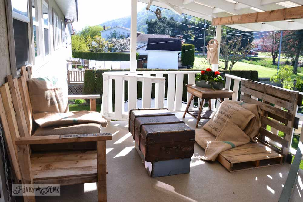 Patio project inspiration - burlap and pallet wood
