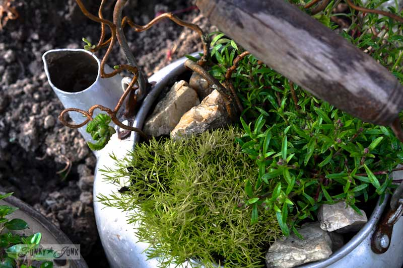 kettle_rock_garden_by_Funky_Junk_Interiors