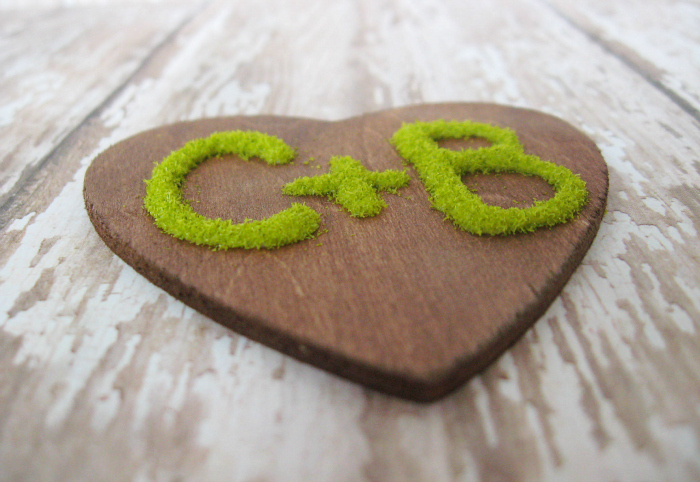 Faux moss heart ornament by Uncommon Designs