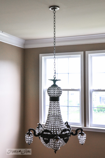 Karen - The Graphics Fairy's interior decorating - vintage beaded chandelier