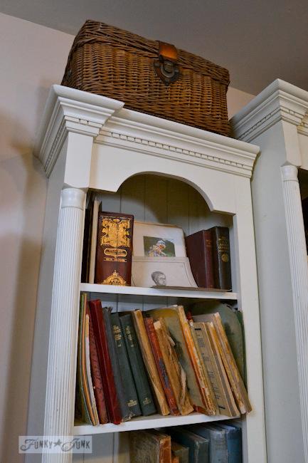 Karen - The Graphics Fairy's house - bookshelf