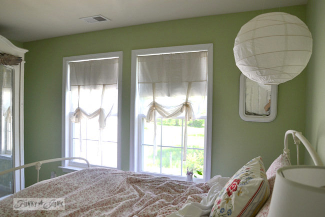 Karen - The Graphics Fairy's house - girl's bedroom with mint green walls