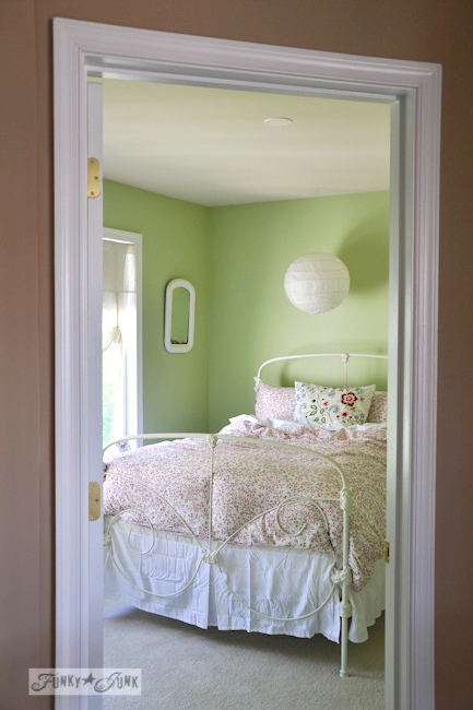 Karen - The Graphics Fairy's house - girl's bedroom decorating with green walls