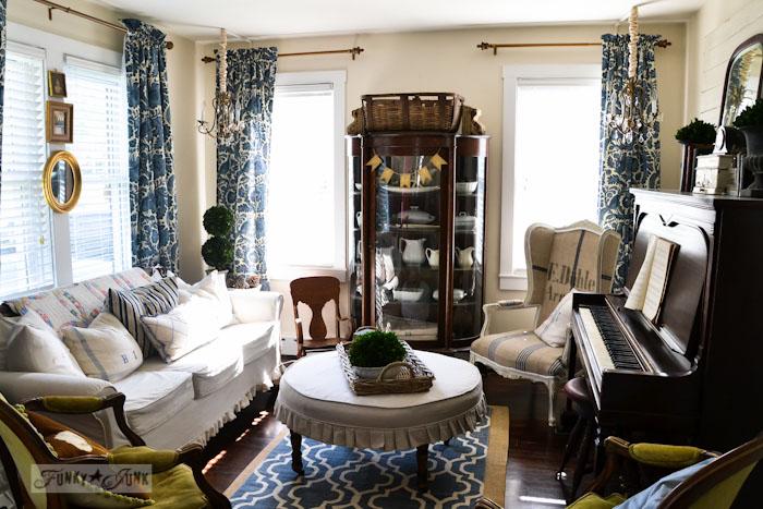 Miss Mustard Seed's livingroom