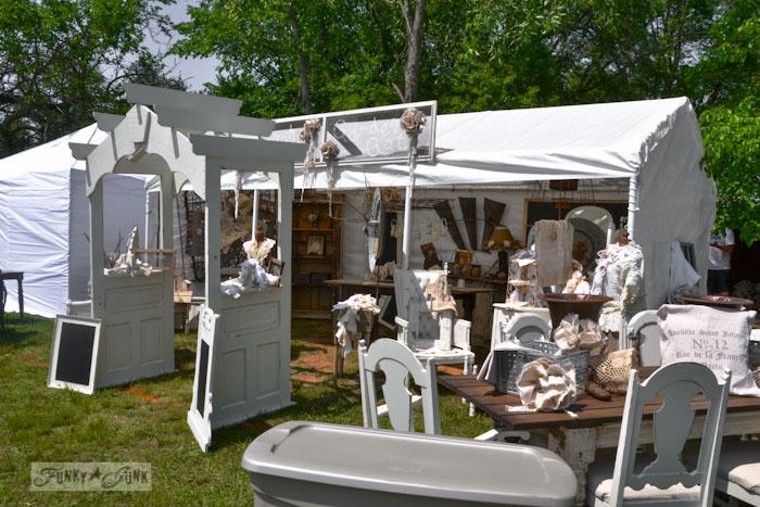 Lucketts Eve-shabby white vendor setup