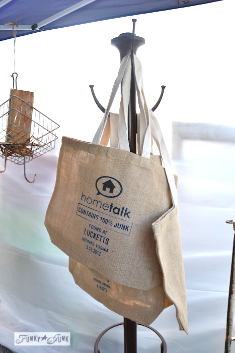 Lucketts Eve-Hometalk burlap totes