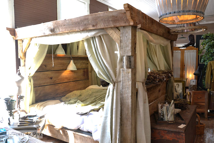 Lucketts Eve - barnwood 4 poster bed