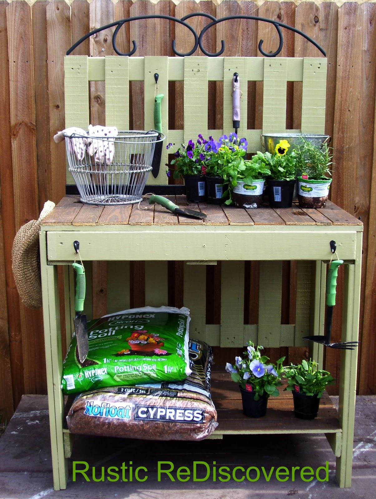 Pallet potting bench - Rustic ReDiscovered