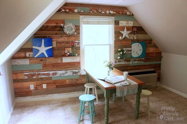 Pallet and reclaimed wood feature wall, by Pretty Handy Girl