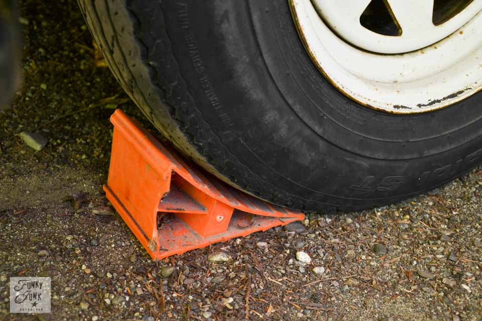 Tips for camping in a travel trailer - about tire chocks
