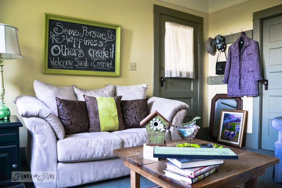 A quaint cottage tour created from all thrift store finds - outstanding tour! via https://www.funkyjunkinteriors.net/
