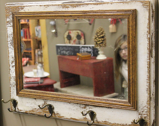 sewing machine mirror, by Beyond the Picket Fence, featured on https://www.funkyjunkinteriors.net