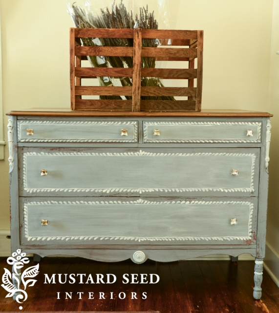 Say hello to Dried Lavender - Miss Mustard Seed's Milk Paint
