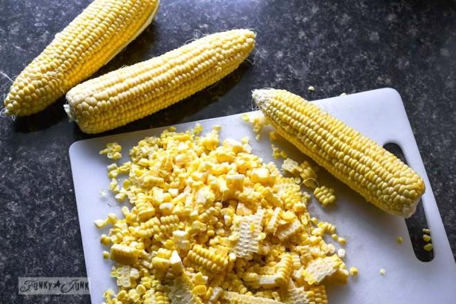 Homemade frozen corn - just like corn on the cob! Crisp texture, fresh flavour.. you'll NEVER buy frozen corn again! via https://www.funkyjunkinteriors.net/
