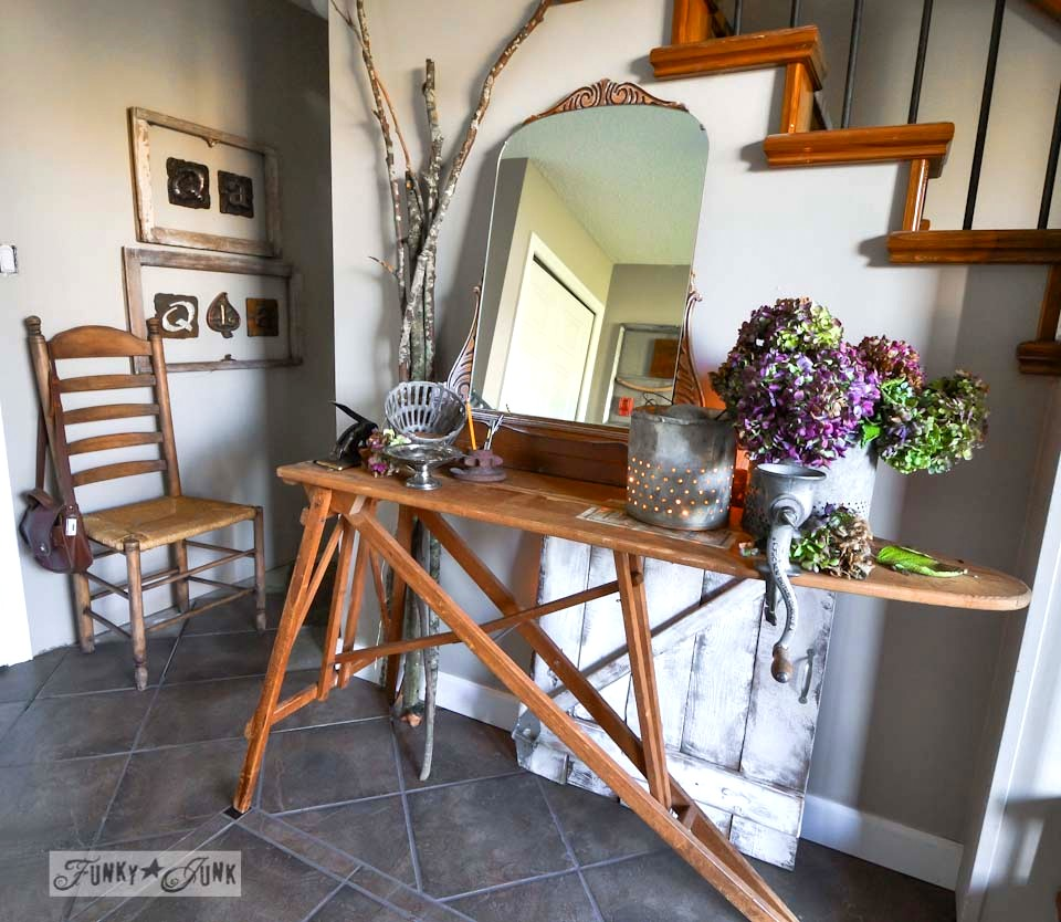 Vintage ironing board entry table / Fall junkers unite with an ironing board table, a pin board and a linkup! via https://www.funkyjunkinteriors.net/