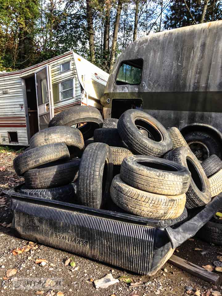 Old tires, part of / Extreme salvaged junk' for rust... take the tour! via https://www.funkyjunkinteriors.net/