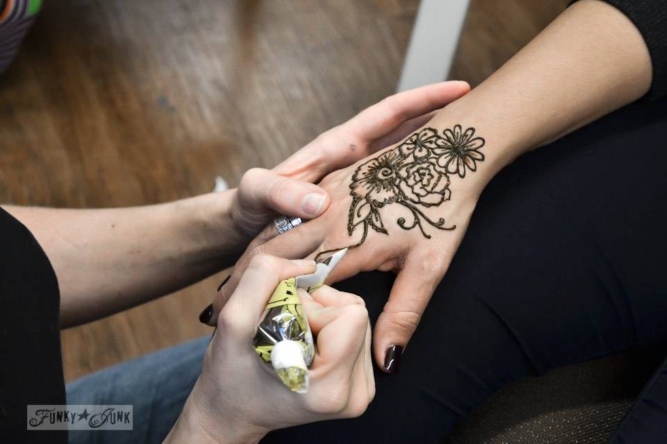Henna artwork / Unplugging and retreating at Charis Camp - fall photography and an experience via https://www.funkyjunkinteriors.net/