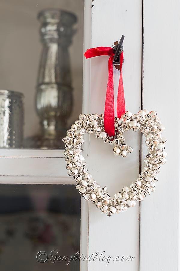homemade-Christmas-ornament-jingle-bells-heart