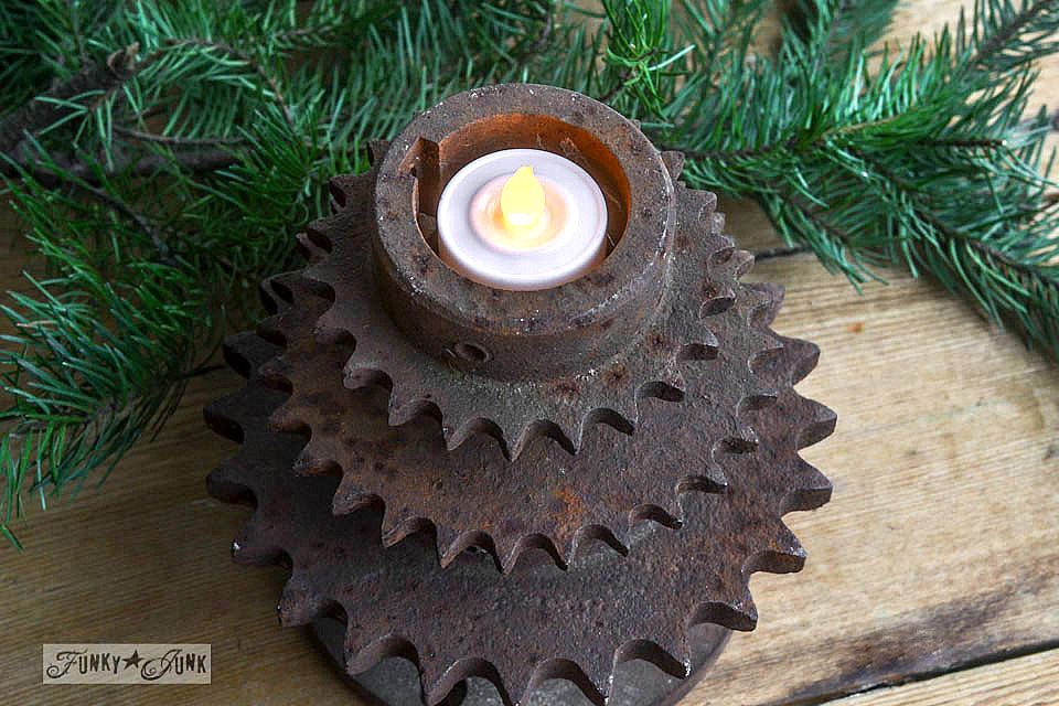 Stacked gears to make a Christmas tree / Stacked gear Christmas tree tea lights
