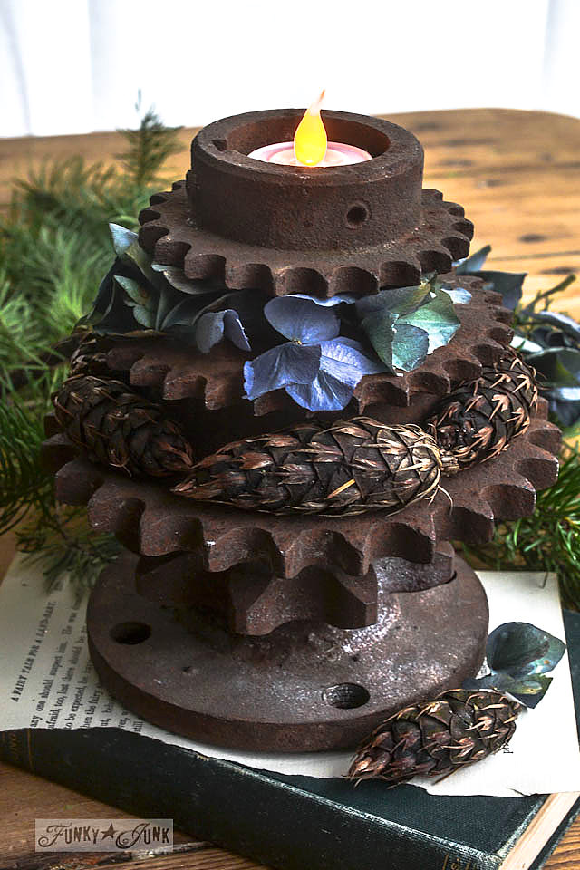 Stacked gears, pinecones and dried hydrangeas / Rusty gear Christmas tree tea lights