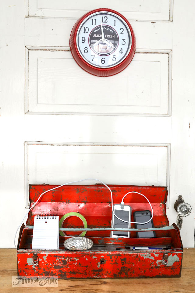 Make an instant toolbox charging station for your iPhone! Also info how to degrease and protect old, chippy metal.  via https://www.funkyjunkinteriors.net