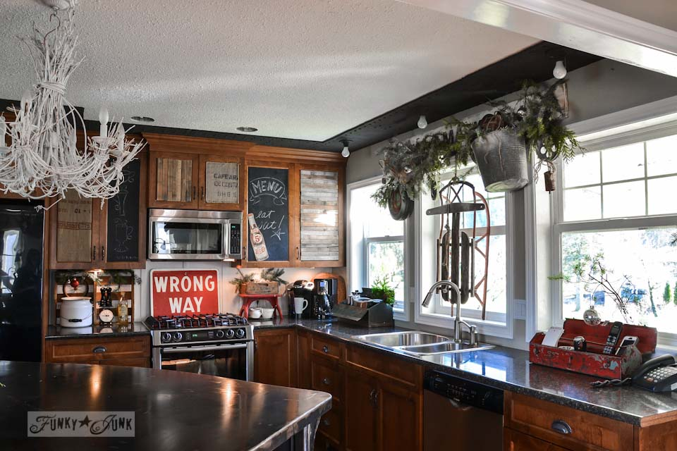 A Christmas salvaged junk kitchen / A junky Christmas kitchen / salvaged finds used to deck out this kitchen for Christmas via https://www.funkyjunkinteriors.net/