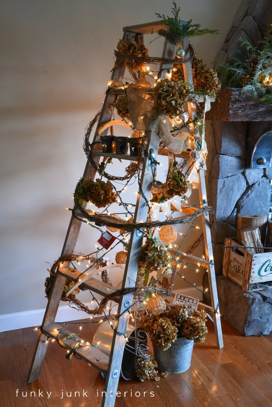 Treeless Stepladder Christmas tree via https://www.funkyjunkinteriors.net/