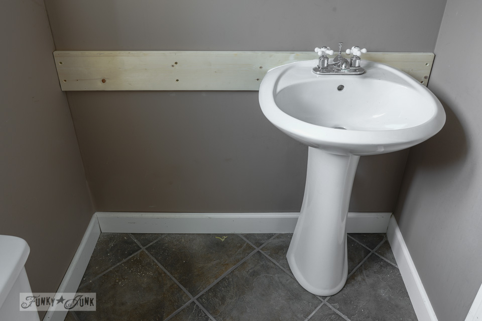 Merveilleux How To Install A Pedestal Sink Without Wall Stud Located In The Right Areas  Via FunkyJunkInteriors