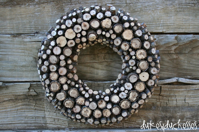 Rustic log wreath by Duke & Duchesses