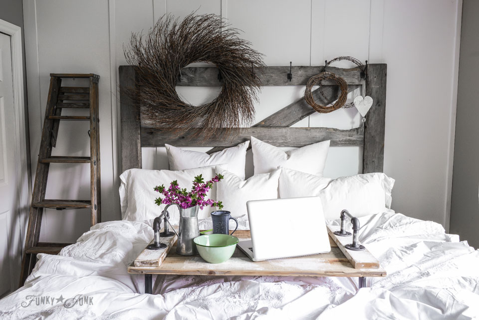 How to build an easy pipe bed tray! Team up with reclaimed wood for a rustic farmhouse charm vibe! Very strong and can be used as a regular serving tray too! Learn how through this post.