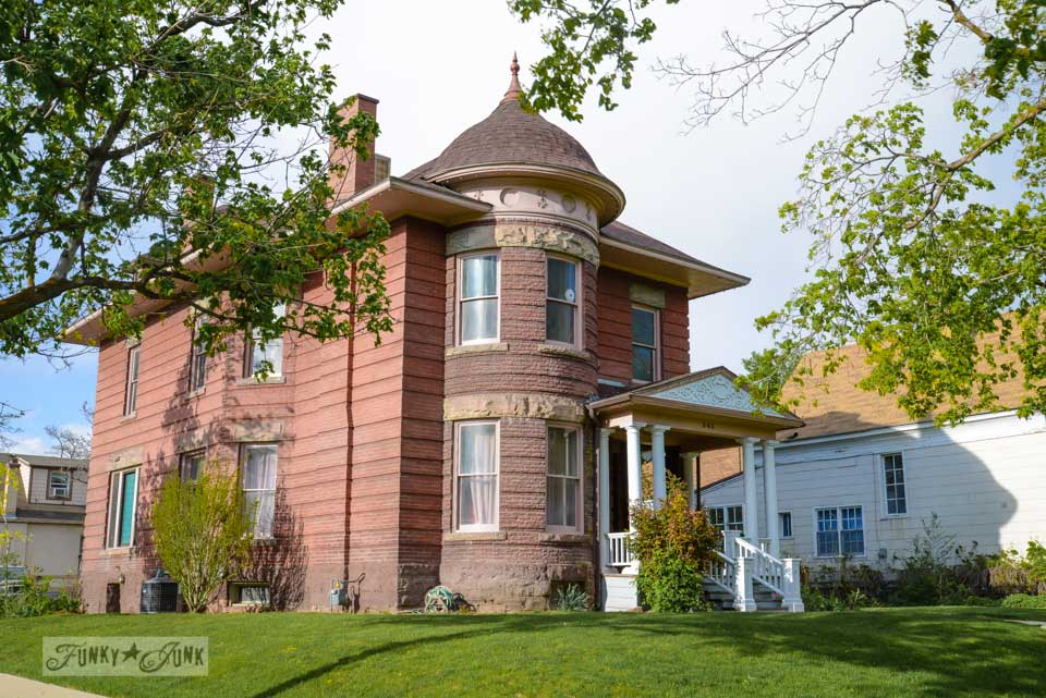 Heritage home / One gorgeous photo tour of Salt Lake City, Utah, on FunkyJunkInteriors.net