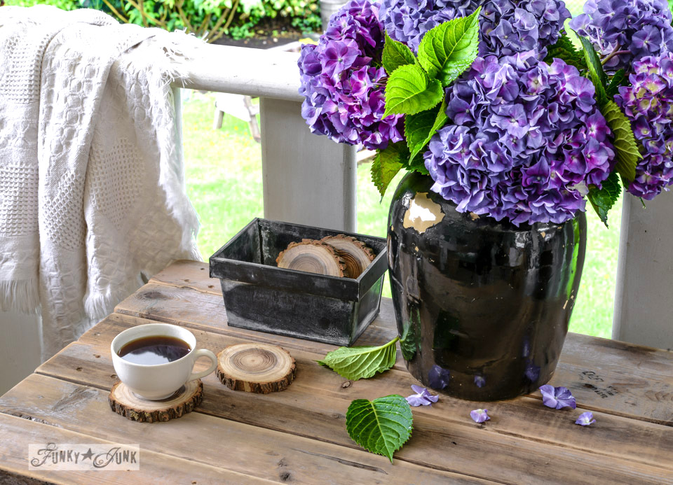 firewood coasters and purple hydrangeas / Funky Junk's 2015 Summer Home Junk Tour / FunkyJunkInteriors.net