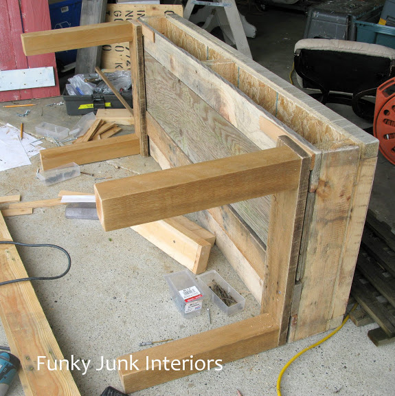 Pallet TV stand / How to marry high tech with an upcycled twist on FunkyJunkInteriors.net