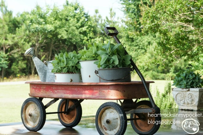 Radio Flyer wagon planter by Heart Rocks in my Pocket