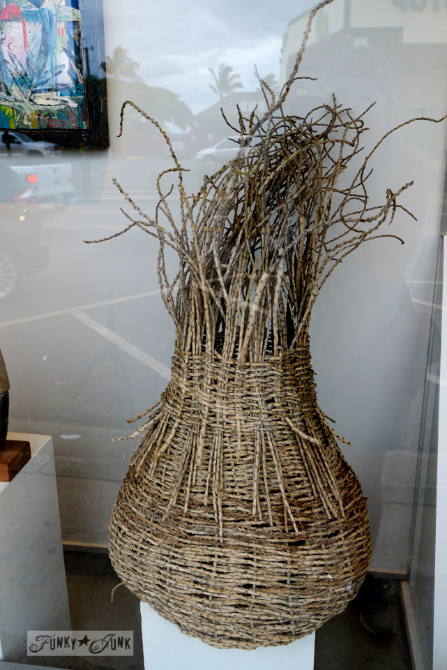 Rustic baskets / Why you need to visit Paia, and other Maui tips / FunkyJunkInteriors.net