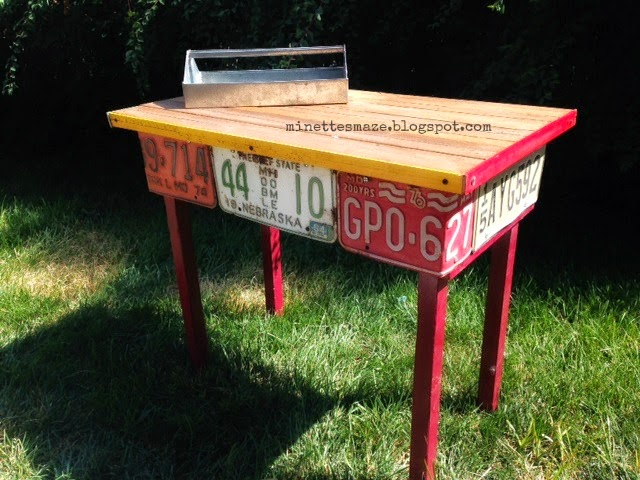 License plate and yardstick table by Minettes Maze