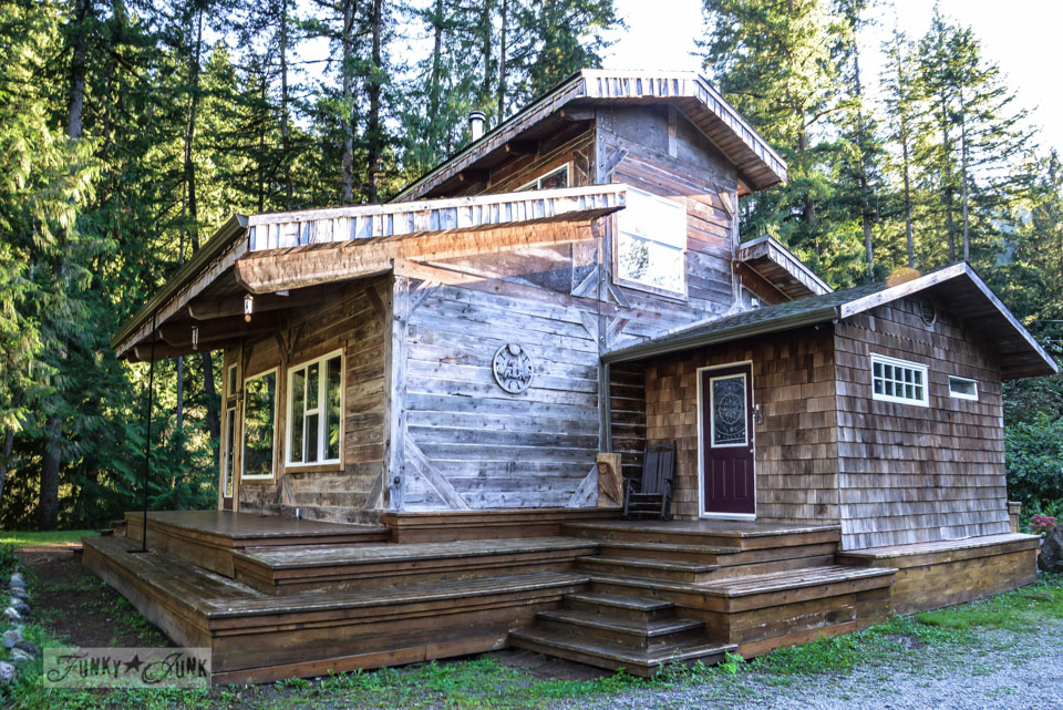 Rustic home / A surprising goldmine at a cabin on the river / EcoRetreat.com, via FunkyJunkInteriors.net