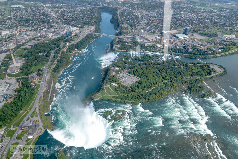 how to fly to niagara falls through canada