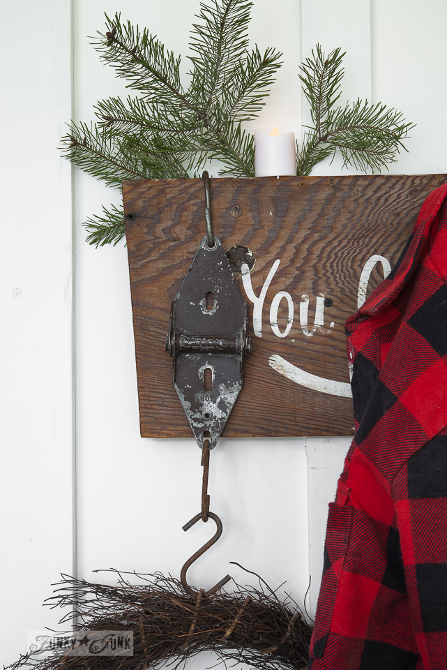 Rusty hinge hooks / Make this rustic Christmas arrow sign with stencils / FunkyJunkInteriors.net