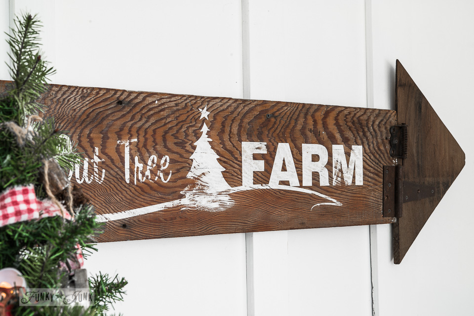 You Cut Tree Farm stencil / Make this rustic Christmas arrow sign with stencils / FunkyJunkInteriors.net